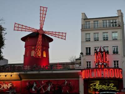 moulin rouge .JPG